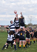 A Lineout in a Women's College Rugby Match — Stock Photo