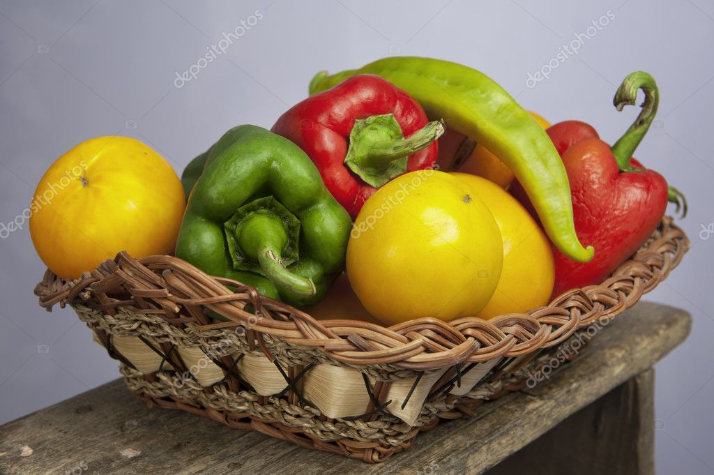 Organic vegetables in a studio set up — Stock Photo #8338601