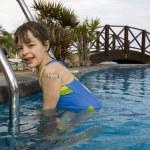 Child swimming — Stock Photo #8237930