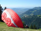 Paragliders ready to go — ストック写真