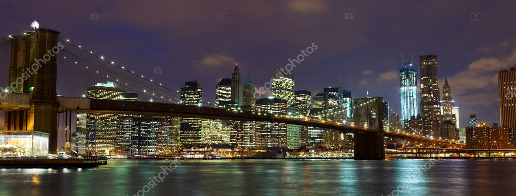 New York City Manhattan and Brooklyn Bridge at dusk — Stock Photo #8871205