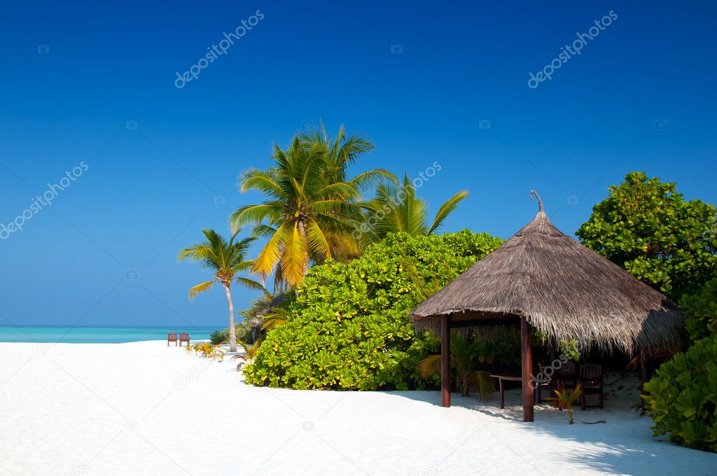 Beach Hut on a maldivian island — Stock Photo #8635560