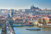 Charles Bridge, Vltava river and Charles Bridge, Prague — Stockfoto