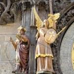 Saat Kulesi heykel, heykel PR astronomik saat sol tarafında — Stok fotoğraf
