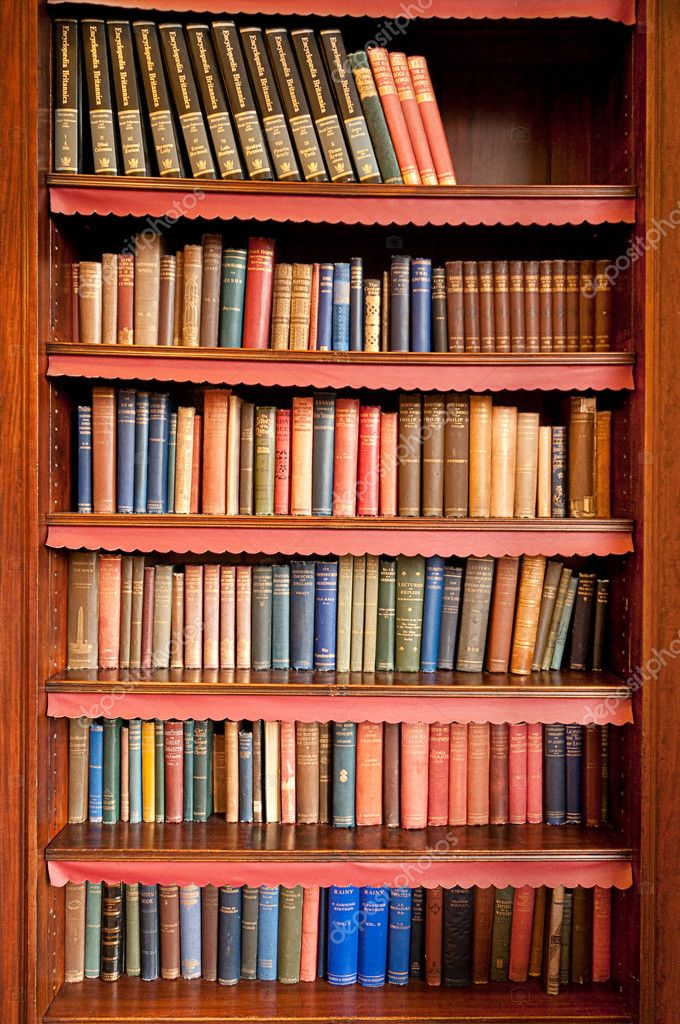 Old bookshelf in ancient library stock photo - Estanteria para libros ...