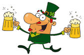 Male Leprechaun Running Through Clovers With Beers — Stock Photo