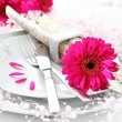 Place setting in pink — Stock Photo