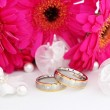Two wedding rings - Stockfoto