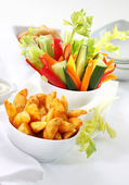 Vegetable snack and wedges with dip — Foto de Stock