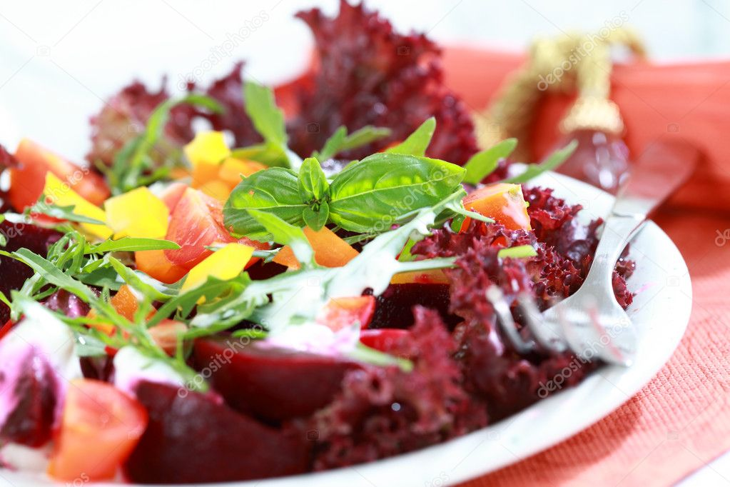 Mixed beetroot salad - healthy eating — Stock Photo #8893987
