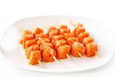 Raw skewered marinated chicken — Stock Photo