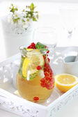 Refreshing ice tea — Stock Photo