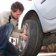 Wheel changing — Stock Photo