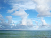 Clouds over ocean in South Beach — Stock Photo