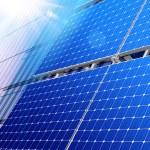 Solar panels on skyscraper — Stock Photo