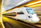 Tren en el túnel — Foto de Stock