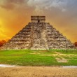 Kukulkan pyramid in Chichen Itza at sunset — Stock Photo #10486221