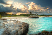Amazing zonsondergang in caribische zee — Stockfoto