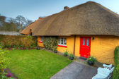 Traditional cottage house in Adare — Stock Photo