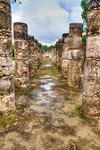Tempel der tausend krieger in chichen itza — Stockfoto