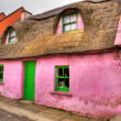 Pink cottage house in Doolin — Stock Photo