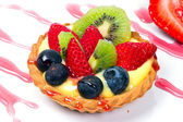 Custard tart with fresh fruits — Stock Photo
