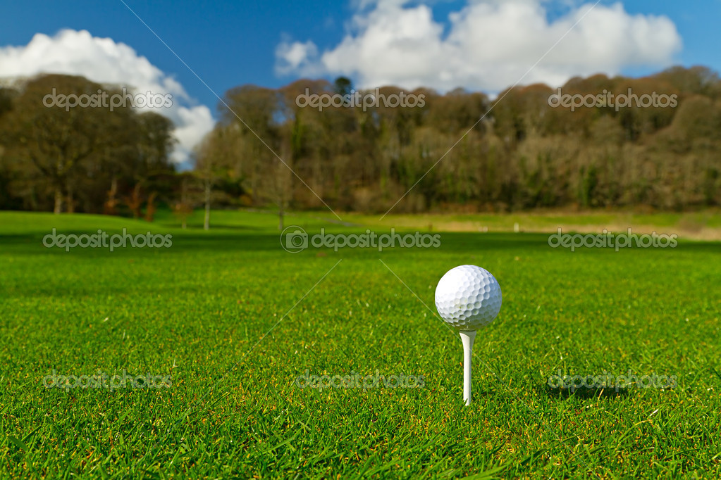Golf ball on Irish idyllic course — Stock Photo #9857280