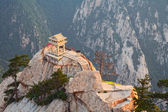 Stone pagoda on the holy mountain HuaShan, China — Stock Photo