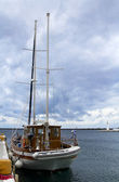 Yacht in port. Greece. Cloudy after rain — ストック写真