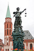 Fountine with Lady Justice statue in Frankfurt — Stock Photo