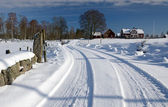 Winter road home — Stockfoto
