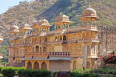 India, Rajasthan, Jaipur, one of the many hindu temples in Galtaji — Stock Photo