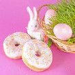 Easter eggs and rabbit — 图库照片