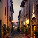 San Quirico d'Orcia typical Italian street overnight — Stock Photo