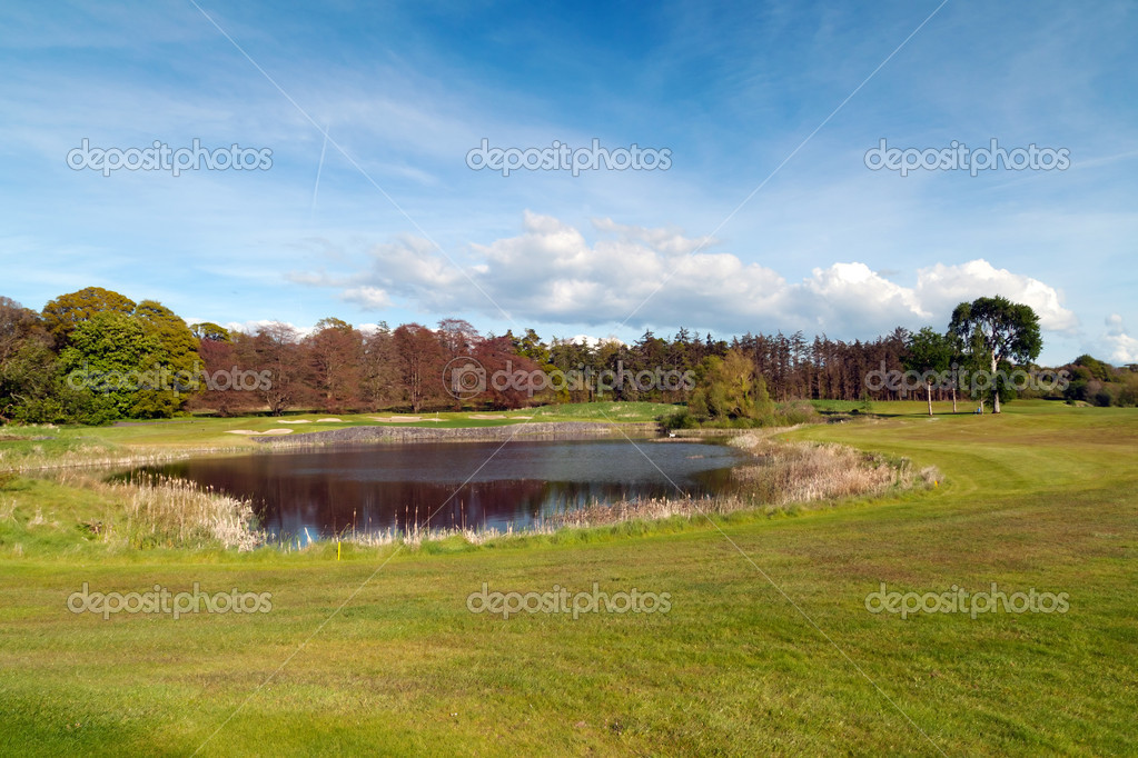 Idyllic golf course in Ireland — Stock Photo #10556084