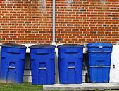 Mülltonnen — Stockfoto