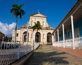 Church and square in Trinidad, Cuba — Stock Photo
