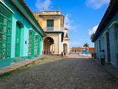 Colorful traditional houses in Trinidad, Cuba — Stock Photo