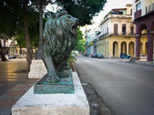 Lion in the boulevard of El Prado in Havana — Stock Photo