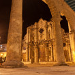 The Cathedral of Havana illuminated at night — Stock Photo