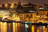Eski havana geceleri aydınlatılan — Stok fotoğraf