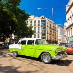Old american car in Havana — Stock Photo