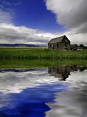 Old Homestead in Field Reflection — Stock Photo