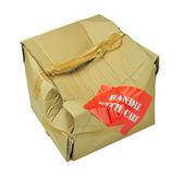 поврежденную картонную коробку — Стоковое фото
