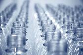 Linhas de garrafas vazias — Foto Stock
