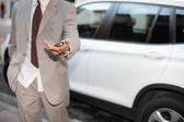 Businessman handing over the keys — Foto Stock