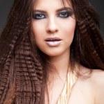 rostro femenino joven con pelo largo belleza — Foto de Stock