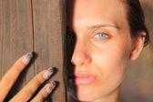 Retrato de una mujer joven — Foto de Stock
