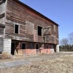 Old dilipidated barn — Stock Photo