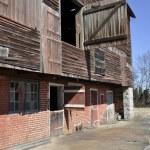 Old dilapidated barn — Stock Photo